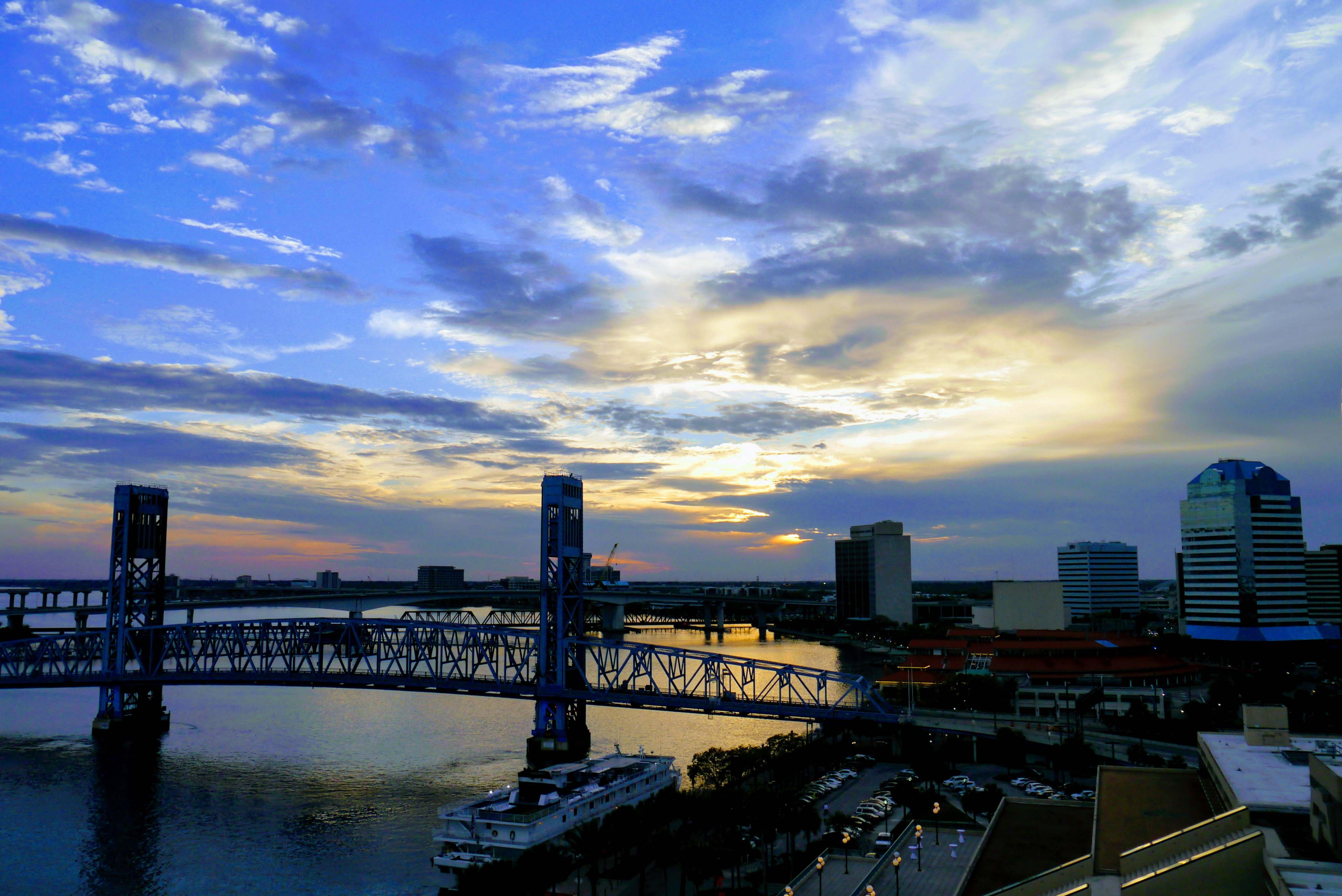 dusk view of the bridge over the river in Jacksonville